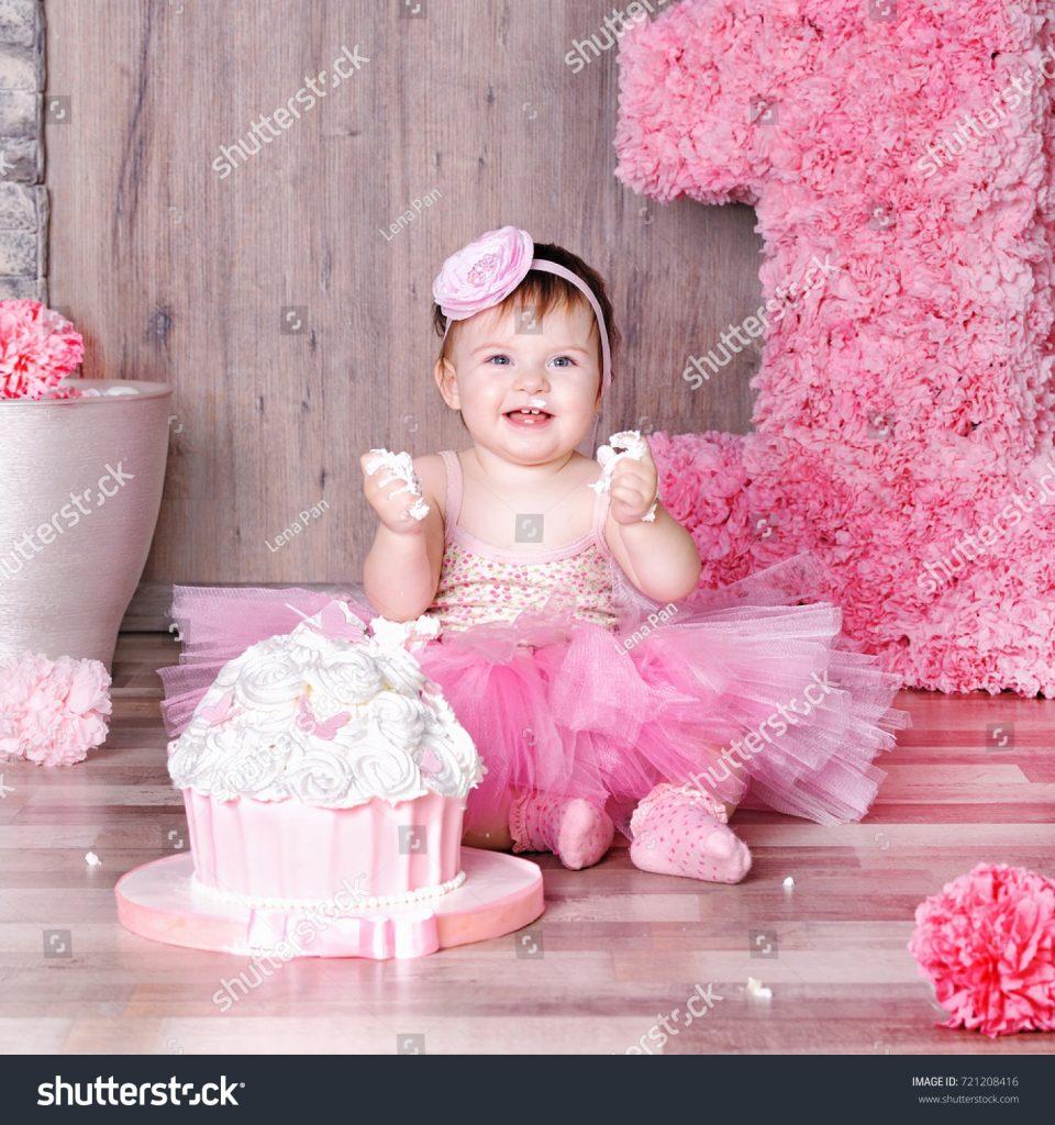 1 year ba girl pink dress stockfoto jetzt bearbeiten