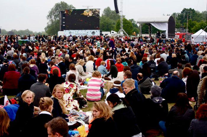 The Waiting Game at the Royal Wedding