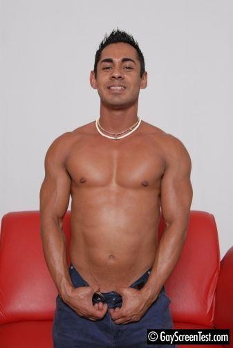 gayscreentest-rico-ricardo-1