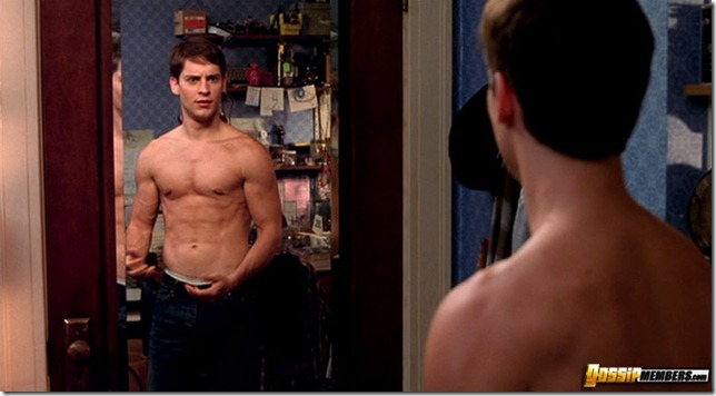 Tobey Maguire nude