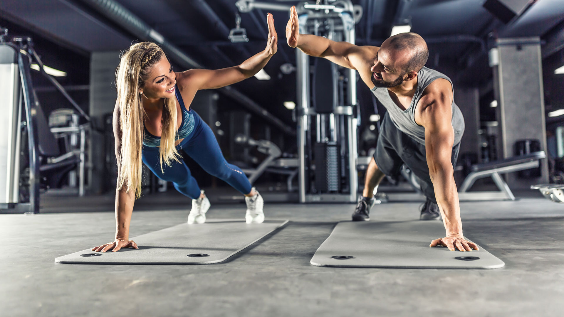 2 people working out