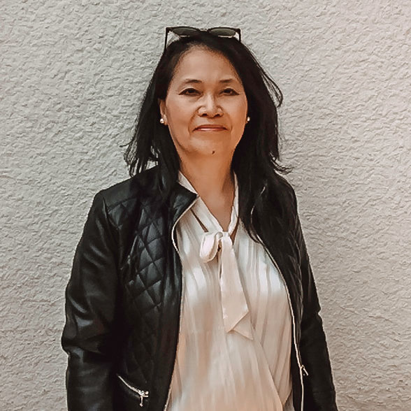 Lisa Dare