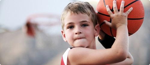 basketbol-oynayan-cocuklar