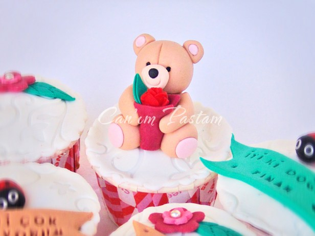 Forever Friends Cupcake
