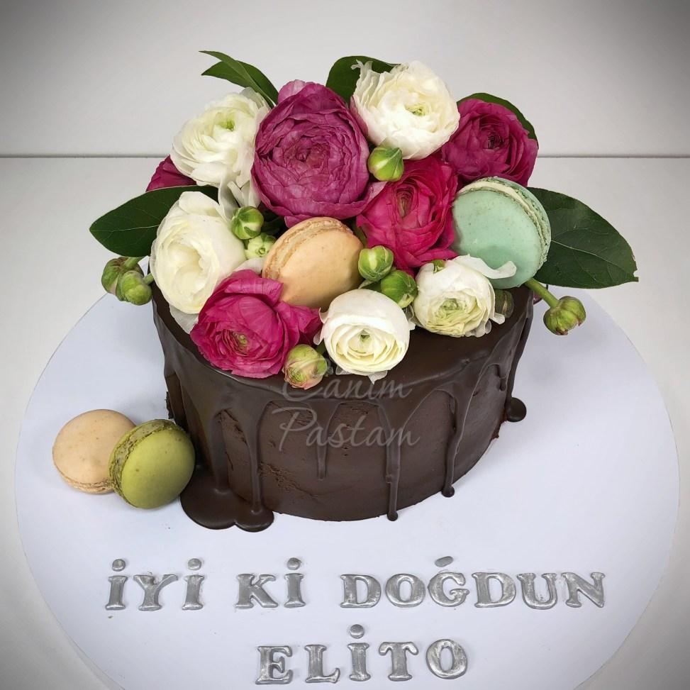 Macaron Cake Flower Cake