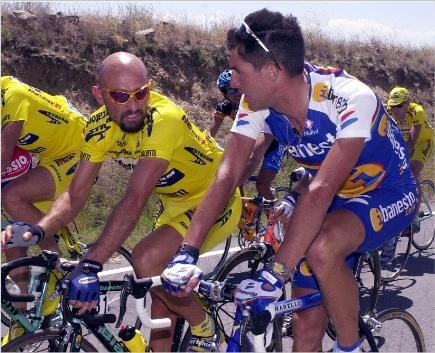 """El """"Chava"""" con Pantani: tiempos mejores."""
