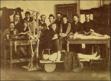 medicos-de-la-epoca