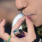 Bancos privados empiezan a cerrar cuentas de empresas vinculadas con marihuana