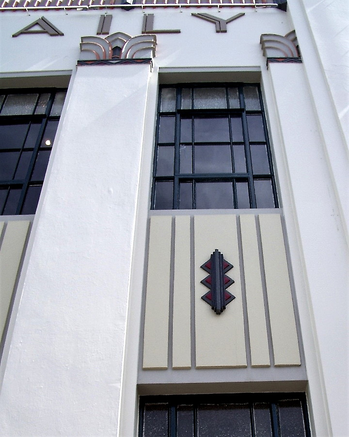 Napier - The Daily Telegraph Building Detail