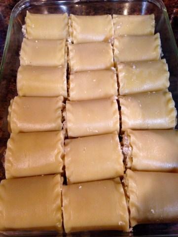 lasagna rolls in pan