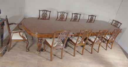 Engelsk Mahogany Victorian Dining Table & Set Chippendale