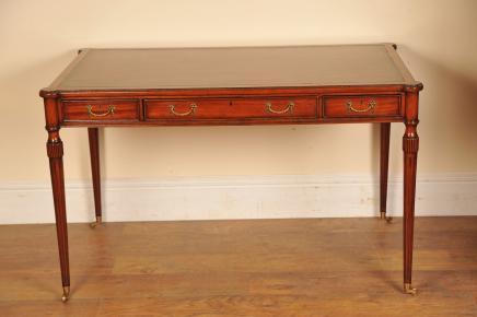 Regency Desk Schreibtisch aus Mahagoni