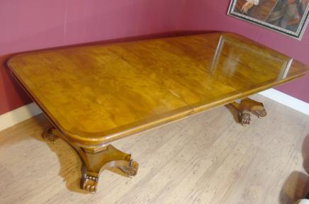 Regency Walnut Erweiterung Dining Table
