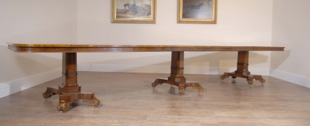 16 Ft Walnut Georgische Pedestal Eettafel