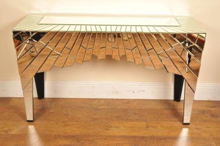 Funky Mirrored Console Table Deco Hall