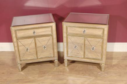 Par de Art Deco Espelhado armários de cabeceira