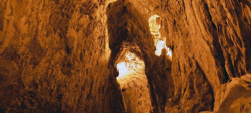 cuevas-del-agua-cantabria-inusual