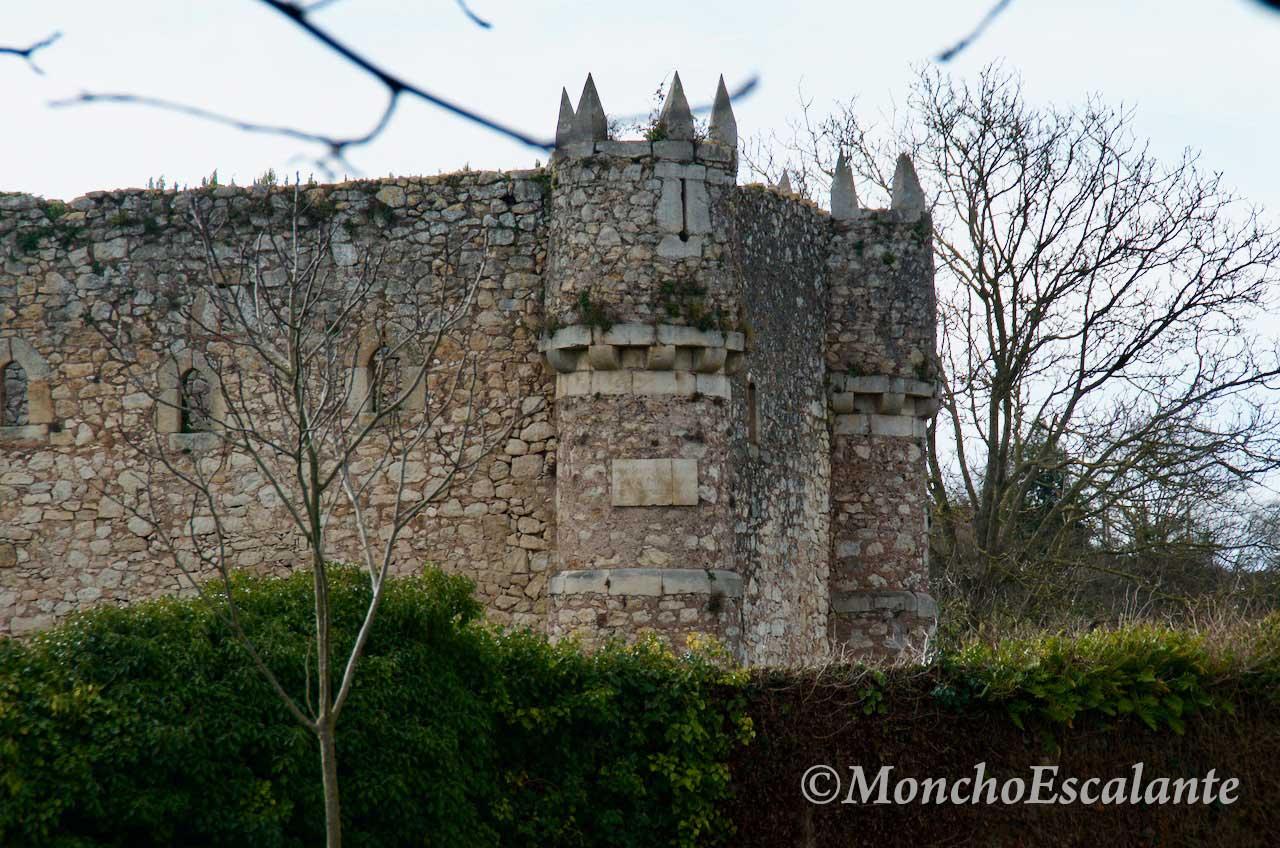 Esquina Castillo de Agüero