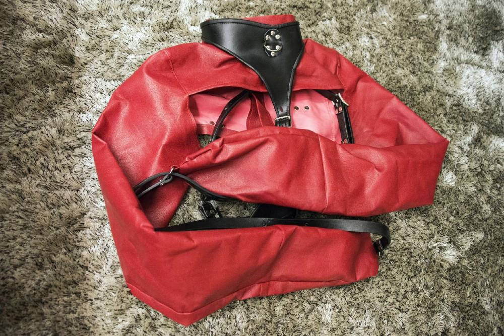 Review – Camisa de Força