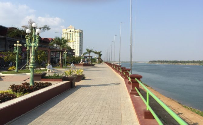Kampong Cham Riverside Road, next to the River Mekong