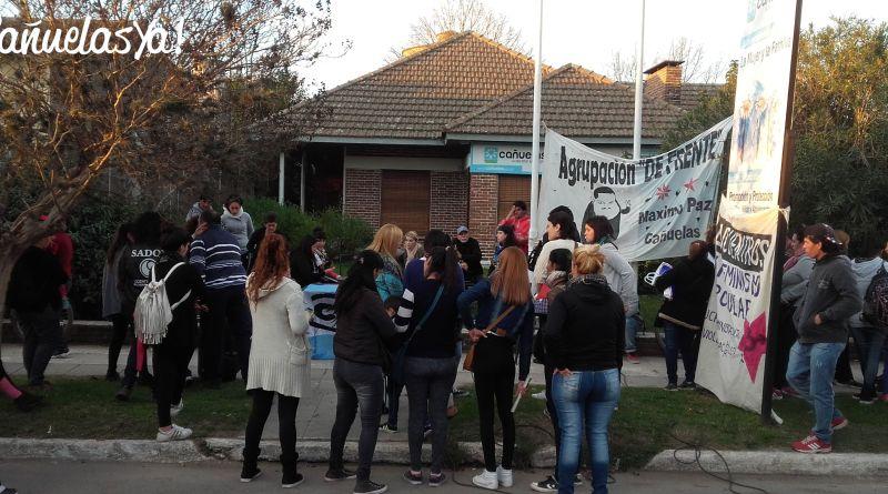 protesta_comisaria_mujer_canuelas_01