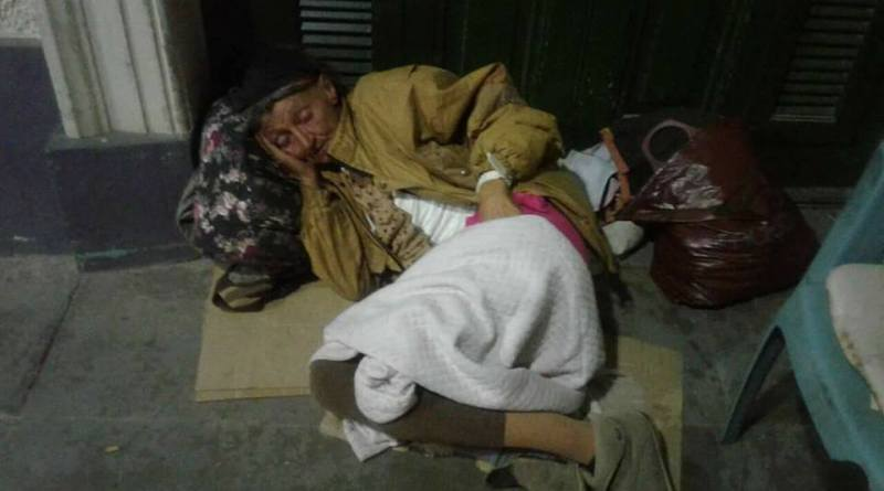 mujer_estacion_hospital