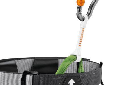 Cutaway sling bevestigd aan PETZL CANYON CLUB gordel met zaksteek