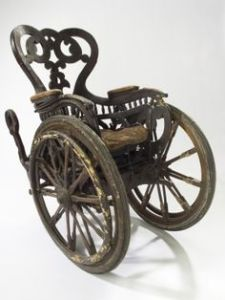 An example of wooden spoked wheels