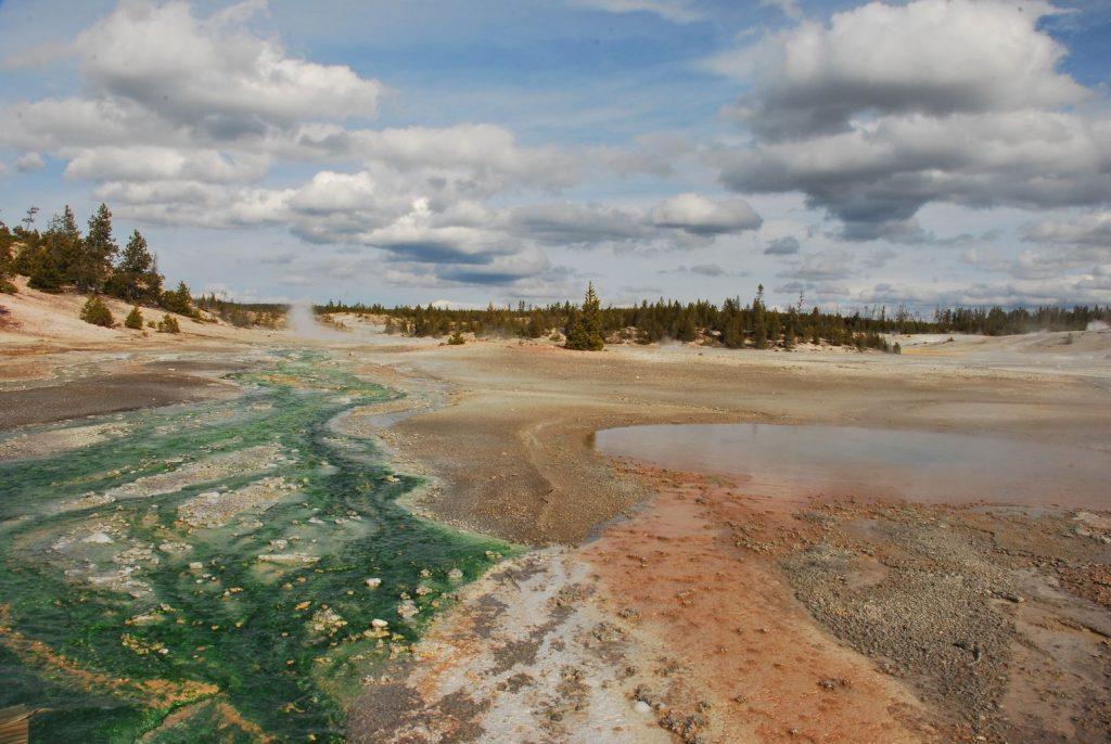 porcelaine-lake-yellowstone