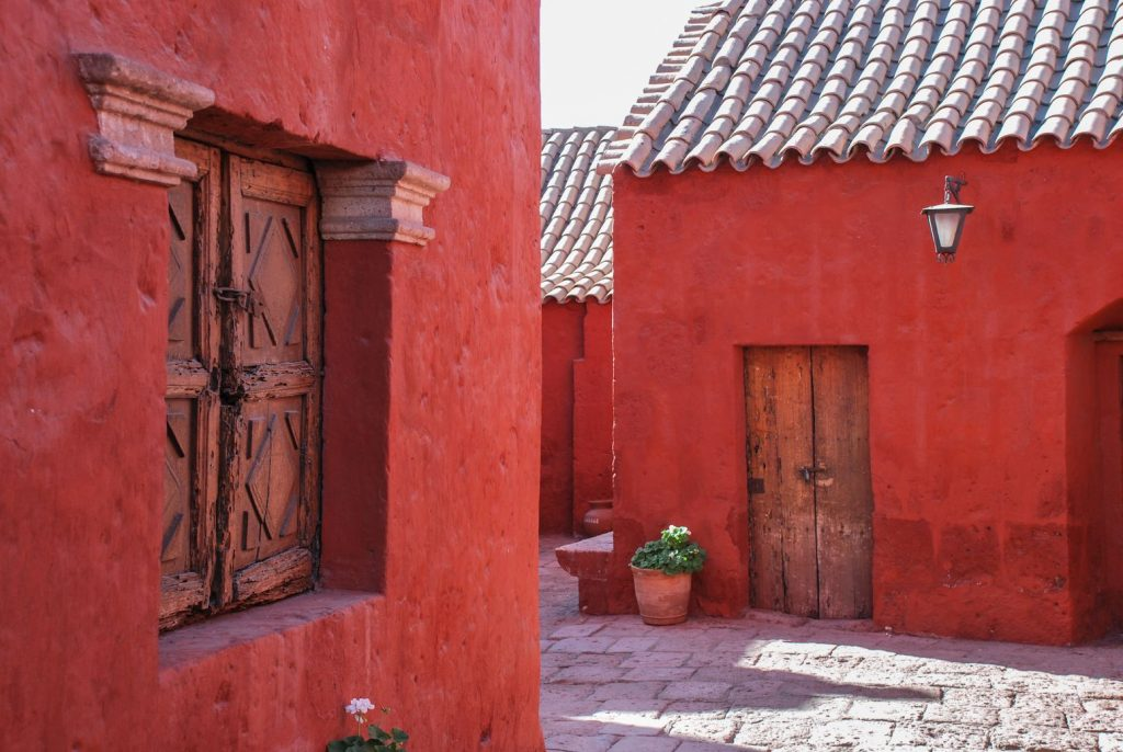 Santa_Catalina_Arequipa_Rouge