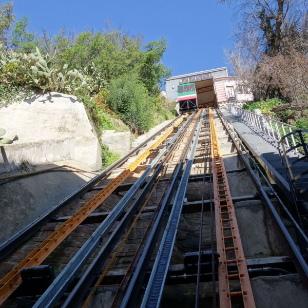Funicular_Valparaiso