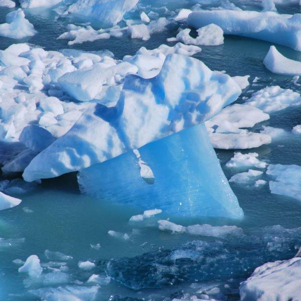 Glacier_Perito_Moreno_iceberg