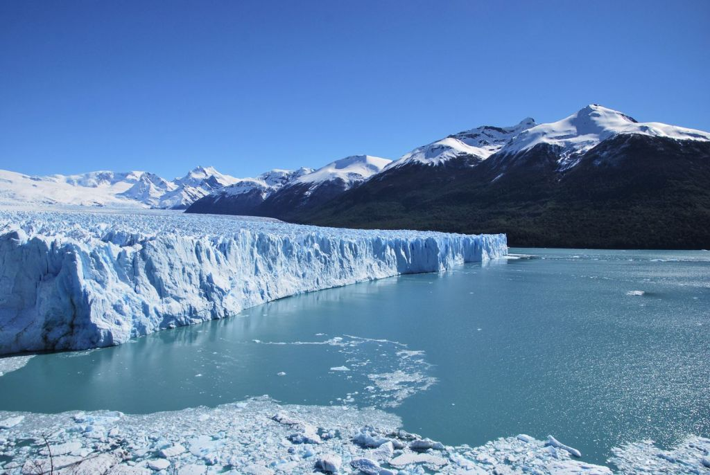 Glacier_Perito_Moreno_overview
