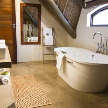 Gondwana Bush And Fynbos Villas Bathroom