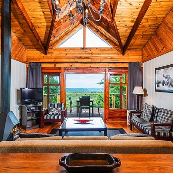 Kariega Main Lodge Accommodation Lounge