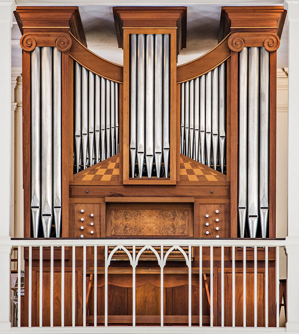 Jeremy Adams Organ, 1986. Annisquam Village Church, Gloucester, MA. Photograph 2016 by Paul Cary Goldberg.