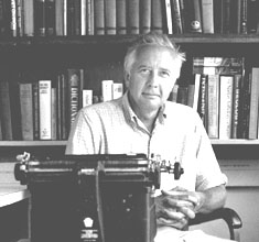Giambarba photo of historian David McCullough and his typewriter