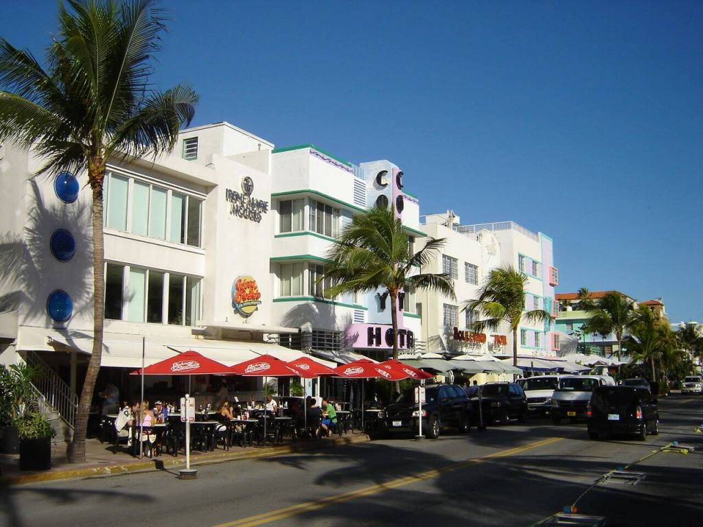 Cafes in Miami Beach