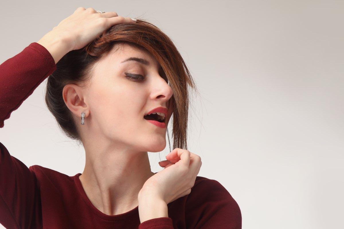 Capelli Rasati Ai Lati Più Di 15 Acconciature Femminili Da