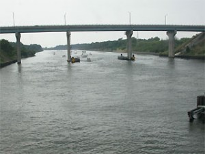 canaltrianbridge