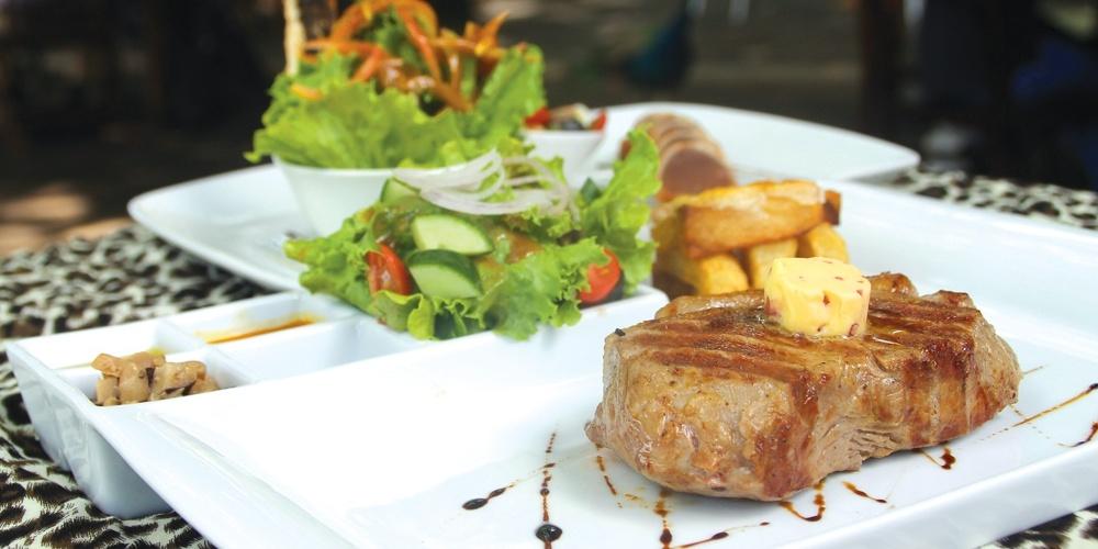 Casela Restaurant : Rendez-Vous avec les fauves