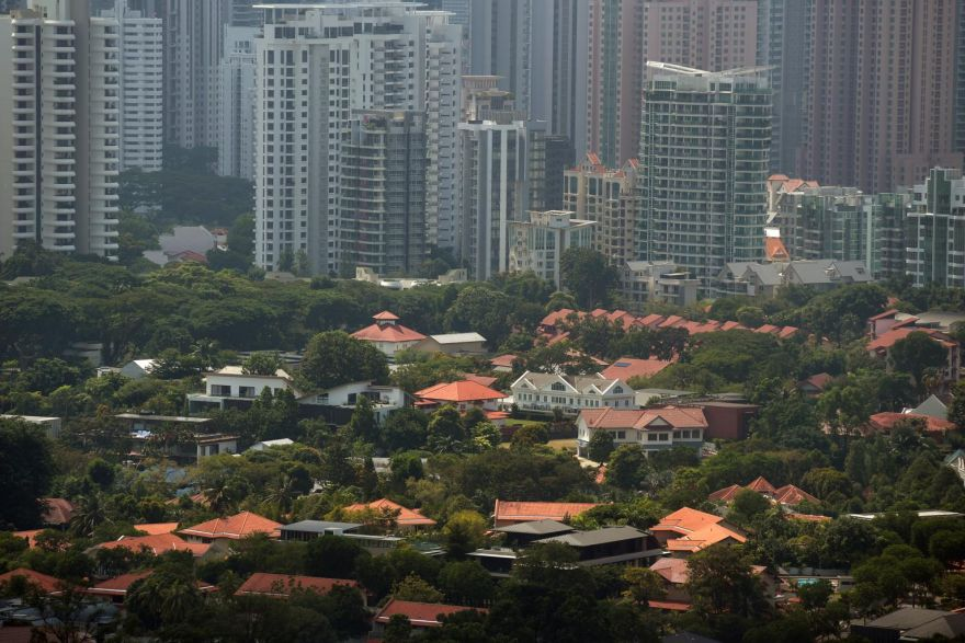 Singapore mortgages may resist global rates downtrend – for now, Banking & Finance