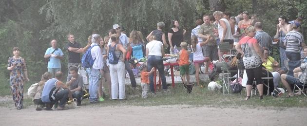 На Київщині день народження селищного голови охороняв автобус спецназу, - ЗМІ