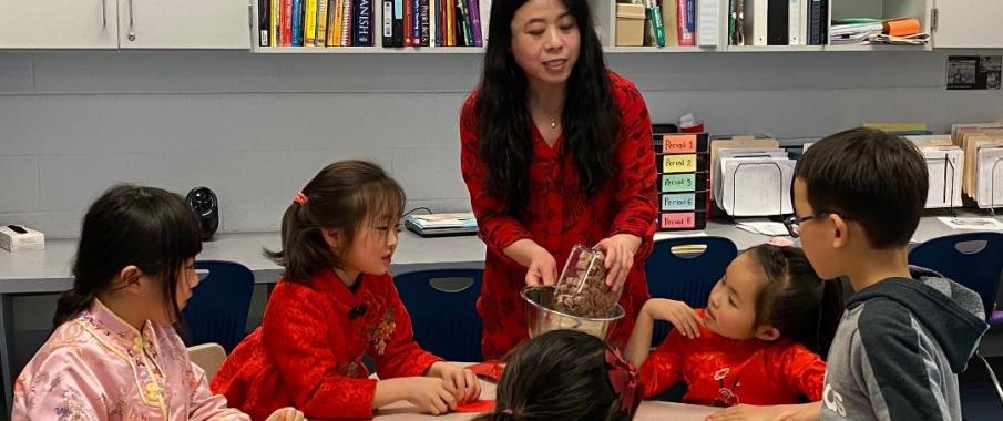 我深深地为小朋友们认真学中文的态度,热爱科学及动物的天性及富有创造力的发挥所折服!