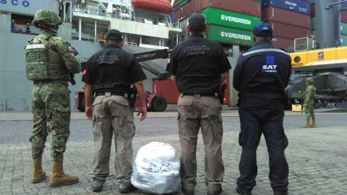 SEMAR aseguró marihuana en un Buque en Colima