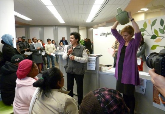 Awaiting the winning ticket for the healthcare lottery at the Arlington Free Clinic. (AFP/Fabienne Faulr_