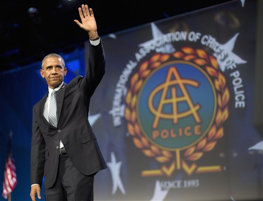 President Barack Obama waves after speaking at the 122nd International Association of Chiefs of Police Annual Conference, Tuesday, Oct. 27, 2015, in Chicago. Obama thanked the law enforcement leaders for the sacrifices they make and the work they do each day to keep their communities safe. (AP Photo/Pablo Martinez Monsivais)
