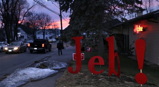 The sun sets outside an event for Republican presidential candidate, former Florida Gov. Jeb Bush in Manchester, N.H., Monday, Feb. 1, 2016. (AP Photo/Charles Krupa)