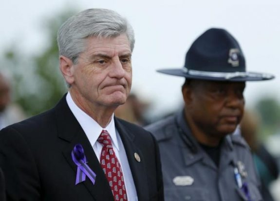 Mississippi, Governor Phil Bryant arrives to attend B.B. King's funeral in Indianola, Mississippi May 30, 2015.  REUTERS/Mike Blake