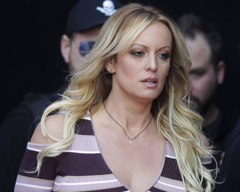 Judge throws out porn actress' suit against Trump